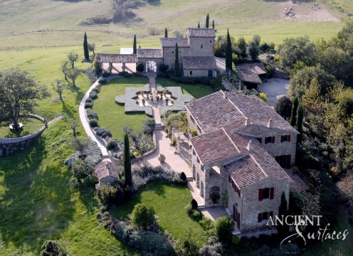 Castello_di_Reschio_Belvedere_0001