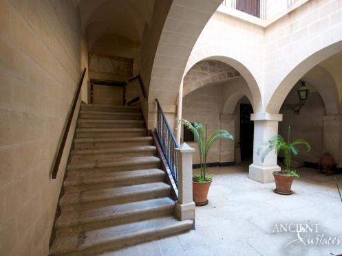 Full-Antique-Stairs-Villa Piedras Albas Courtyard