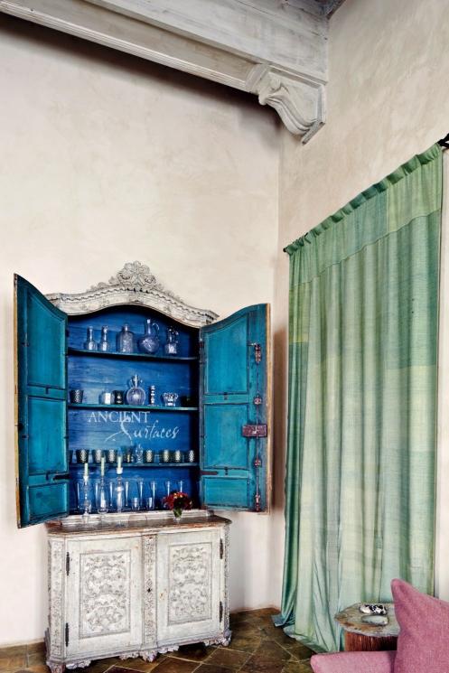 rustic-living-room-axel-vervoordt-rome-italy-201303-3_1000