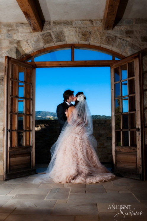 SunstoneWineryMasqueradesho__emma_jane_photography_SunstoneWinery14_low