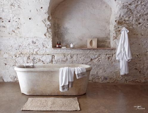 Reclaimed matble bathtub